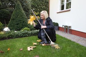 Chwila zadumy nad nostalgiczną jesienią, ale czas zagrabić liście