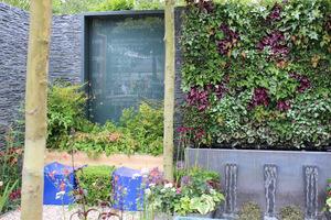 """Skomplikowana w budowie, """"żywa"""" ściana na miarę wystawy Chelsea Flower Show"""