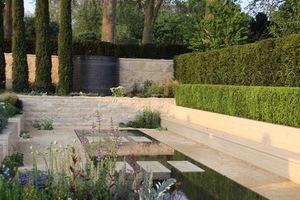 The Arthritis Research UK Garden, projekt Tom Hoblyn, Silver Gilt Medal