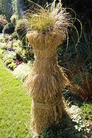 """Nie musi on """"straszyć"""", a może być wspaniałą ozdobą zimowego ogrodu"""