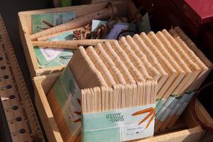 Pikownik drewniany, torebki na nasiona i etykiety do oznaczania roślin