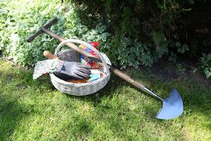 Oto nóż do cięcia krawędzi trawnika, proste narzędzie, które da znakomity efekt