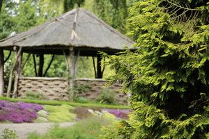 Atrakcyjna chata - altana pośród pachnących kobierców macierzanek