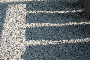 Tłuczeń bazaltowy znakomicie zastępuje korę