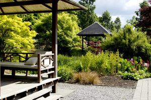 Altana charakterystyczna dla ogrodów japońskich (Holandia)