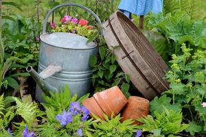 Ogrodowe dodatki a jednocześnie przedmioty uzytkowe