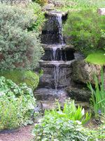 Przykłady stopni wodnych zbudowanych z kamieni