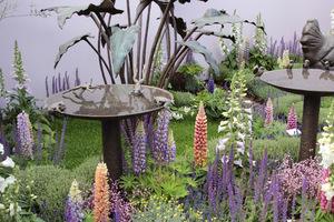 Pokaz rzeźb i dodatków do ogrodu