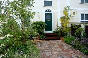 Wejście do domu czyli ogródek frontowy