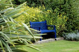 Niebieska ławka