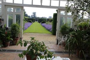 Kącik wypoczynkowy i widokowy dla ogrodnika