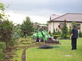 Trawnik na rabacie trzeba przekopać