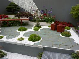 Na większe rośliny stworzono odpowiednie stanowiska
