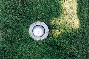 Lampy zakopywane do gruntu umiejscawiamy na podsypce żwirowej