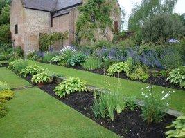 Ogród został podzielony na tematyczne sektory