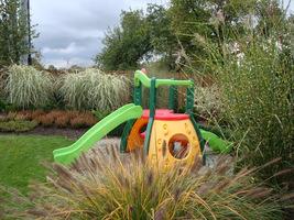 Przed przystąpieniem do tworzenia ogrodu, najlepiej rozejrzeć się po działce