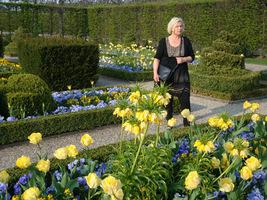 Wiosna jest bodźcem do spacerów po kolorowym ogrodzie