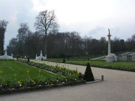Ogrody tarasowe i obelisk